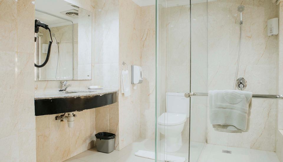 Comfort Hotel Dumai Dumai - Kamar Mandi diruangan Suite & Business Suite