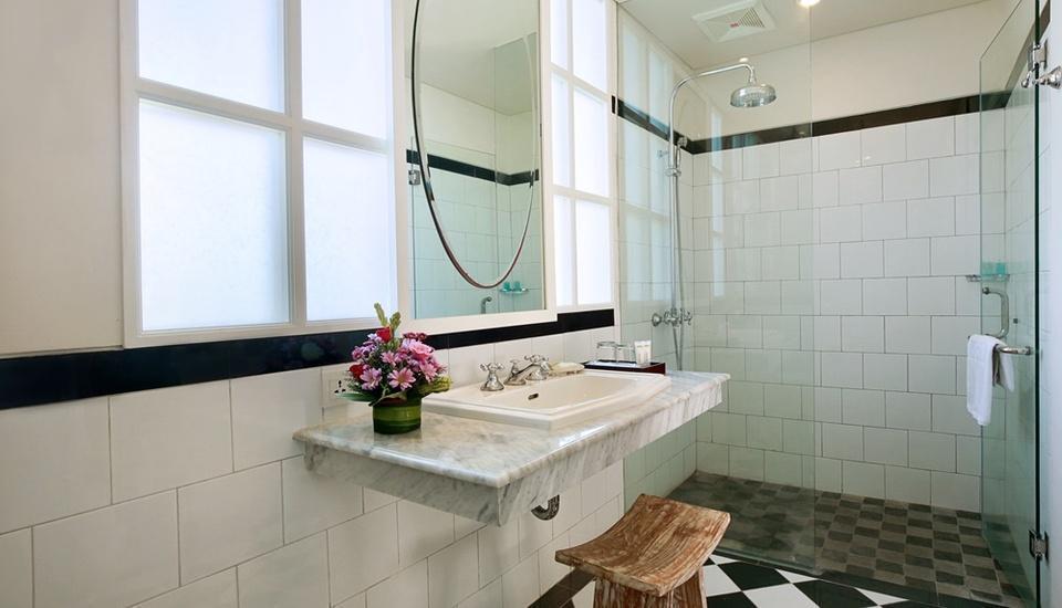 Maison At C Boutique Hotel Bali - Superior & Deluxe Bathroom