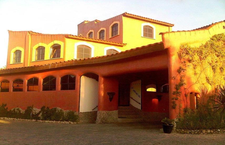 Hotel La Hasienda Kupang - Exterior