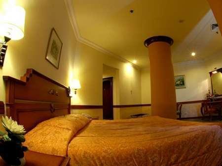 Hotel Tunjungan Surabaya - Junior Suite Regular Plan
