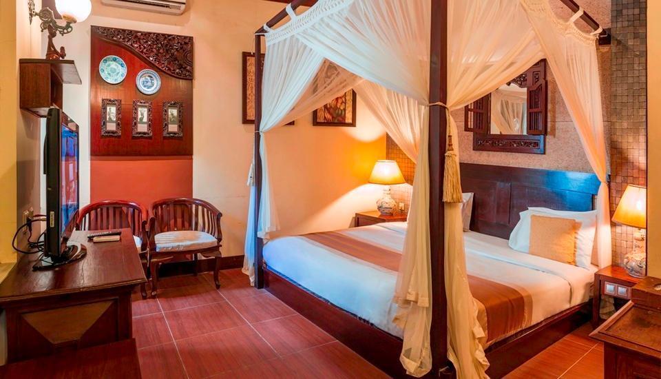 Dhanesvara Homestay Surabaya - Royal Suite