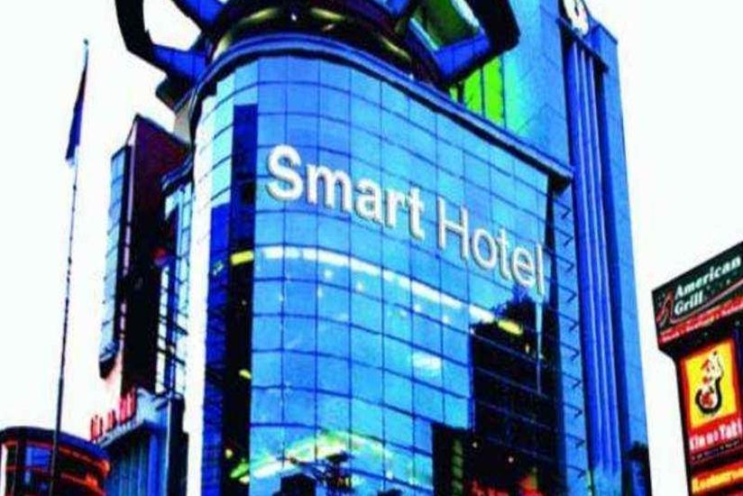 Smart Hotel Jakarta - Tampilan Luar Hotel