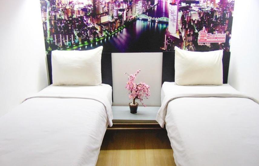 Smart Hotel Jakarta - Standard Twin Room Regular Plan