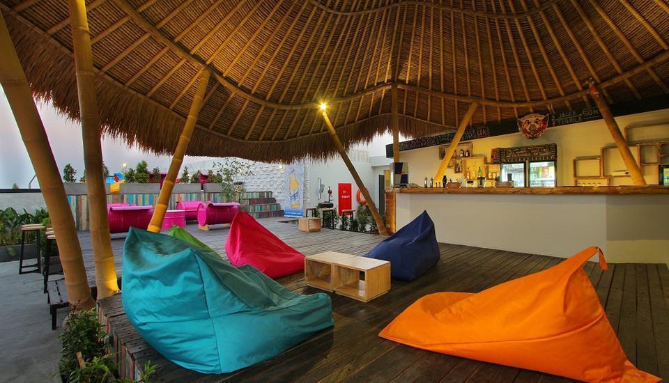Koa D Surfer Hotel Bali - Maverick Bar