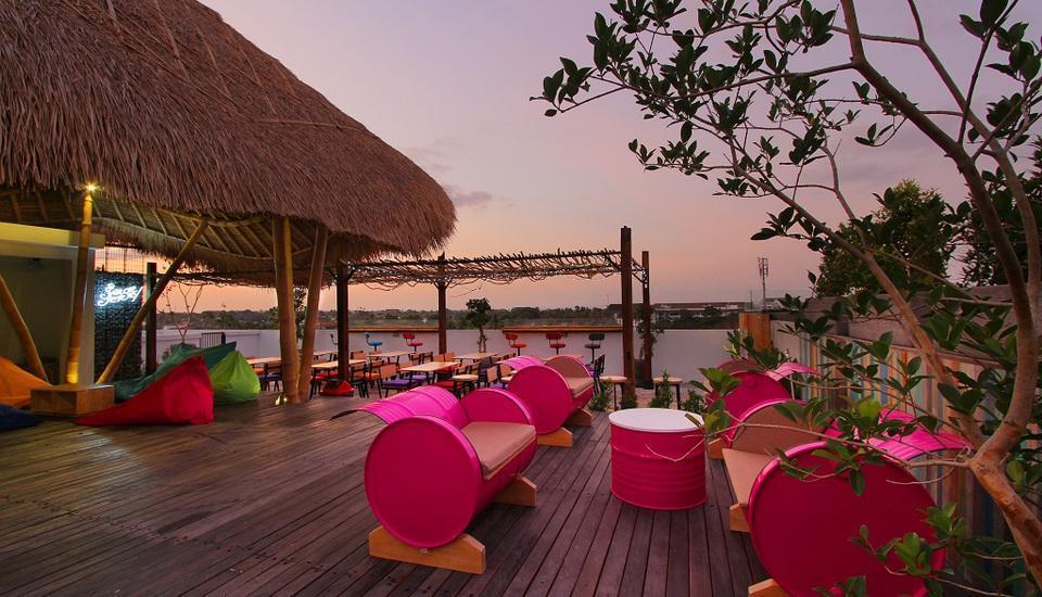 Koa D Surfer Hotel Bali - Area Rooftop