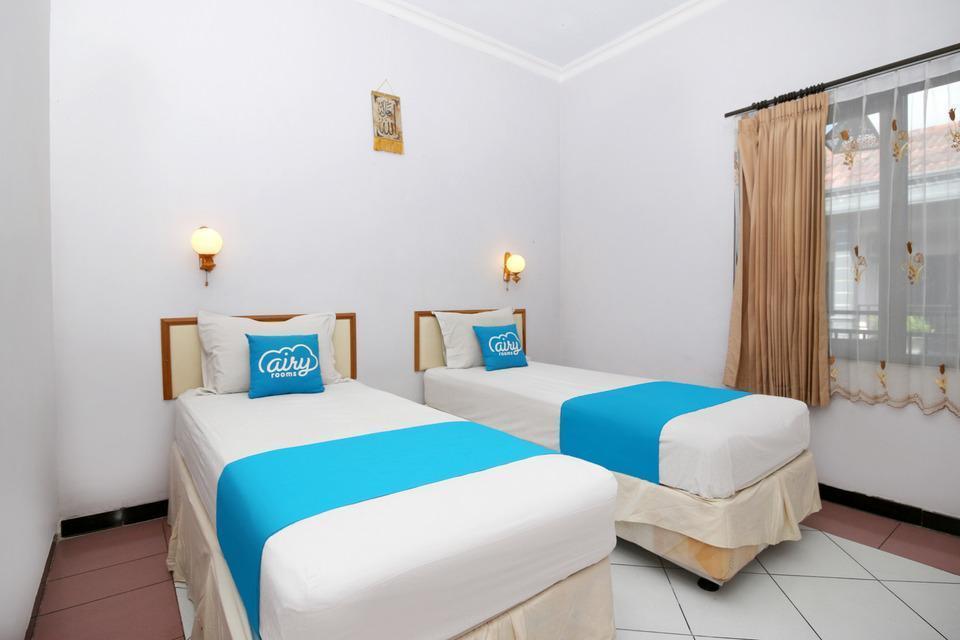 Airy Syariah Mojoroto Semeru 74 Kediri Kediri - Deluxe Twin Room Only Special Promo Jan 5