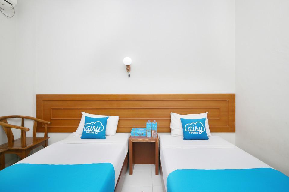 Airy Sumahilang Sisingamangaraja 10 Pekanbaru - Superior Twin Room with Breakfast Special Promo Jan 24