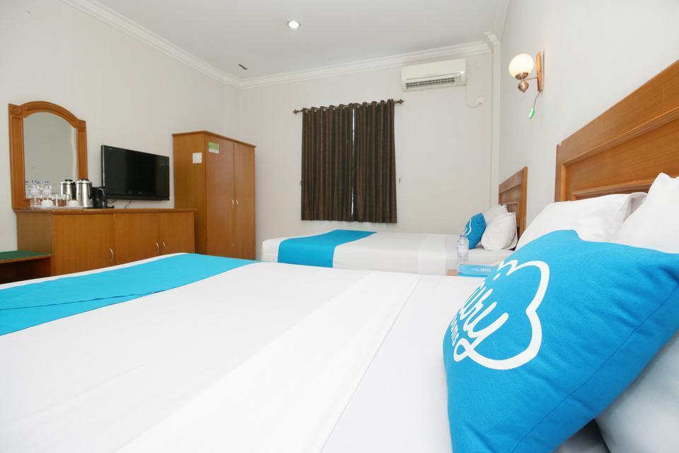 Airy Sumahilang Sisingamangaraja 10 Pekanbaru - Family Room with Breakfast Special Promo Jan 24