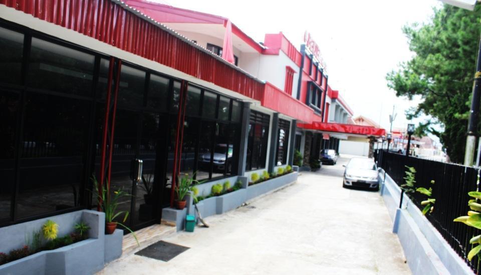 Benteng Hotel Padang - Parkir