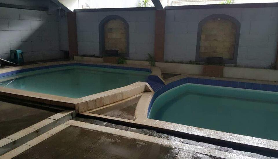 Hotel Pantai Sri Rahayu Pangandaran - Kolam Renang
