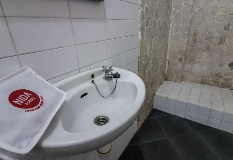 NIDA Rooms Mantrijeron Tugu Station - Kamar mandi