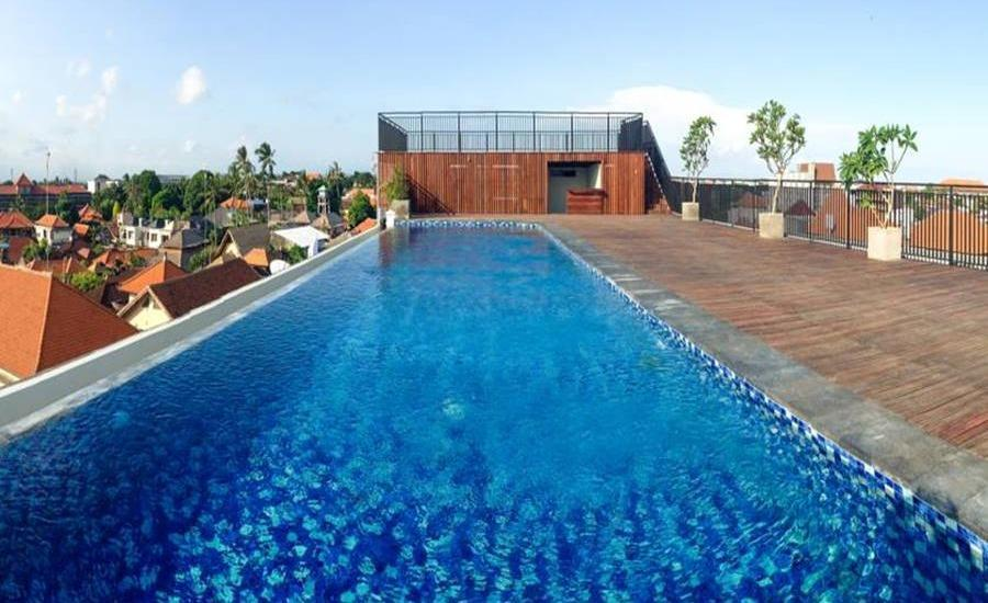 Zest Hotel Legian Bali - Kolam Renang