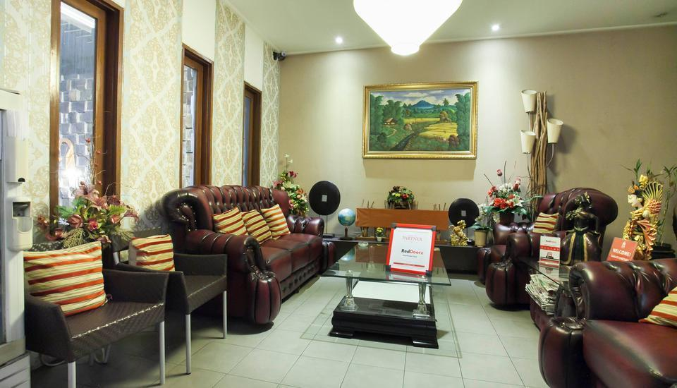 RedDoorz near Ciputra World Surabaya - Interior