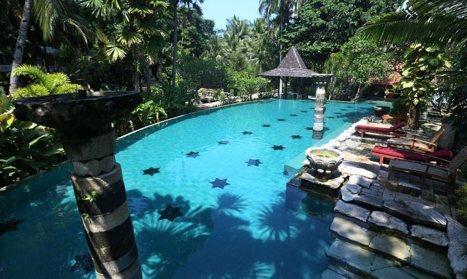 Hotel Syariah Solo - pool