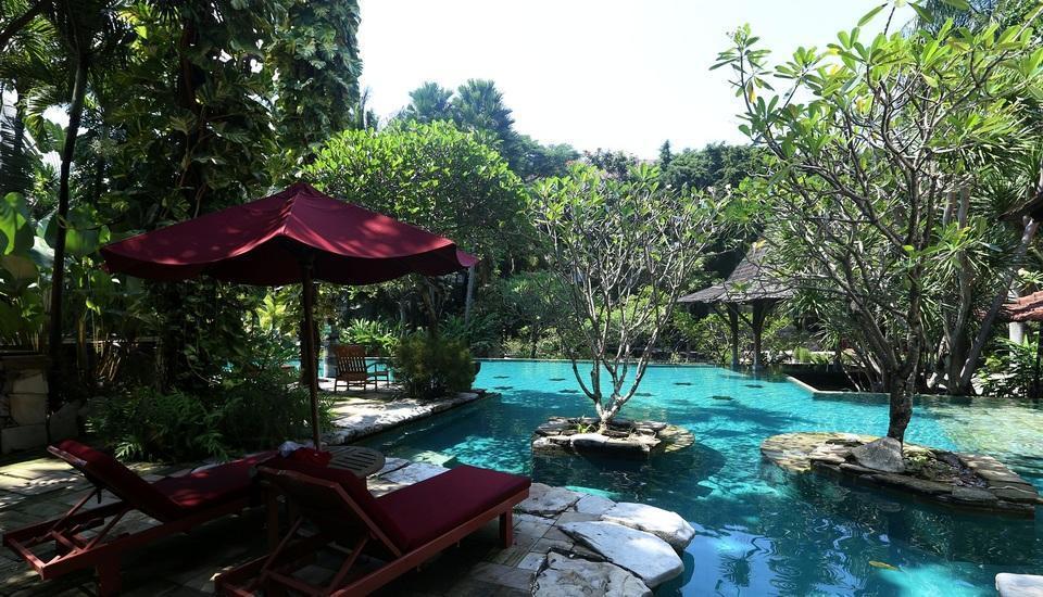 Hotel Syariah Solo - outdoor pool