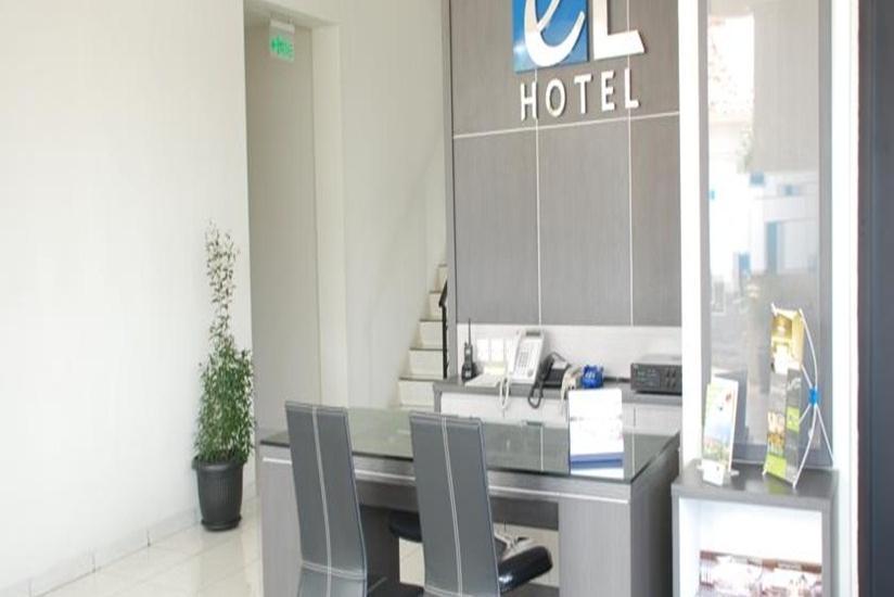 EL Hotel Malang - Resepsionis