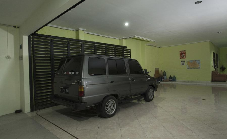 RedDoorz near Kejaksaan Negeri Surabaya Kupang Jaya Indah -