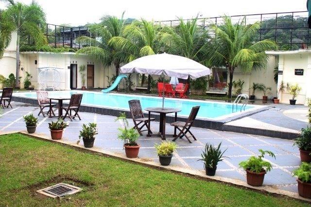 The Aliga Hotel Padang - swimming pool
