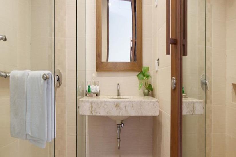 Ketapang Indah Hotel Banyuwangi - Kamar mandi
