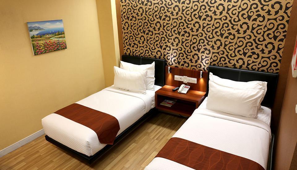Citihub Hotel Jogja - Saphire Twin Room Regular Plan