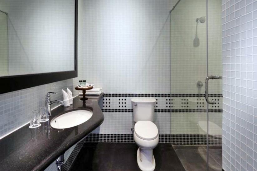Menumbing  Heritage Hotel Bangka - Kamar mandi