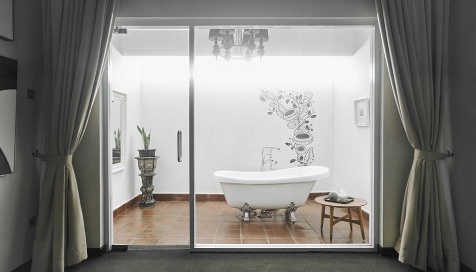 Menumbing  Heritage Hotel Bangka - Exposed Bathtub