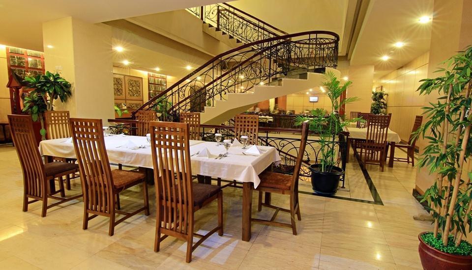 Rocky Plaza Hotel Padang - Restaurant