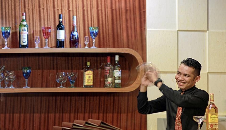 Rocky Plaza Hotel Padang - Lounge Bar