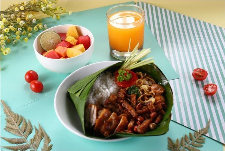 POP Hotel Diponegoro Surabaya - Food
