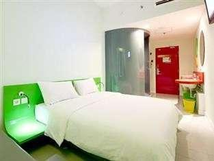 POP Hotel Bandung - POP Room Only Regular Plan