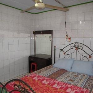 Lila Graha Bima - Economy Room With Fan Regular Plan
