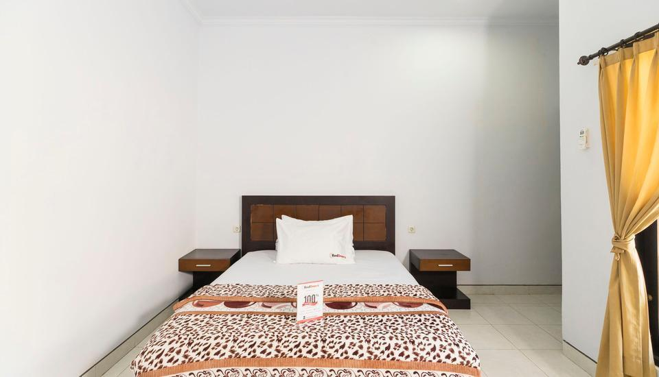 RedDoorz @Raya Jimbaran Bali - Kamar tamu