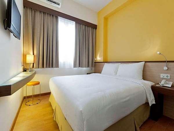 Everyday Smart Hotel Jakarta - Deluxe Queen