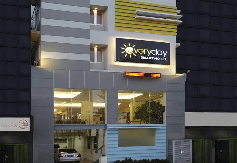 Everyday Smart Hotel Jakarta - Hotel Building