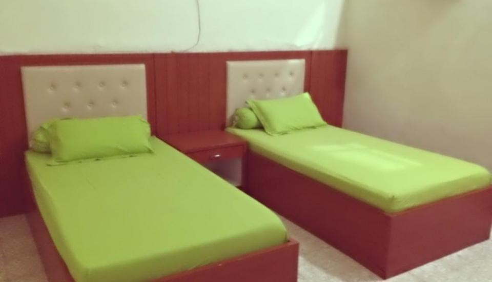 Kartika Syariah Guest House Solo - Ekonomis (Shared Bathroom) Regular Plan