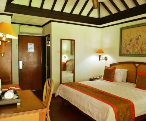 Kila Senggigi Beach Hotel Lombok - Bungalow Taman
