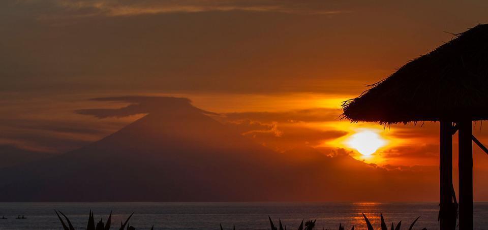 Kila Senggigi Beach Hotel Lombok - Matahari terbenam