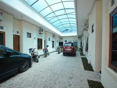 Airy Eco UNISRI Kalingga Utara Satu Solo - Parking Lot