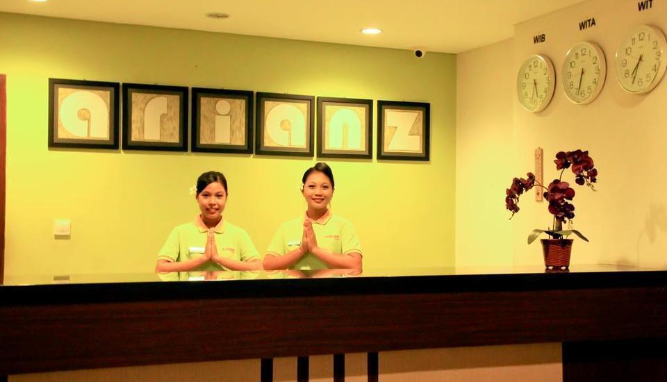 Arianz Hotel Lombok - Receptionist