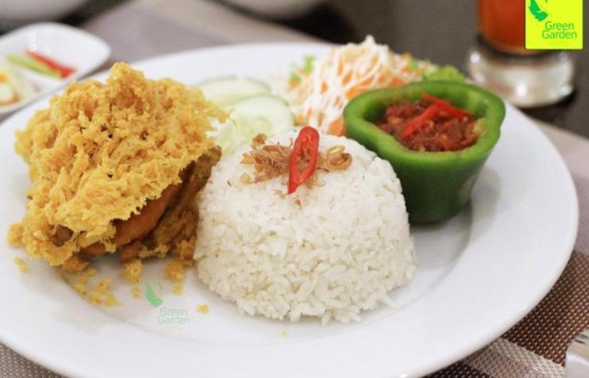 Green Garden Hotel Tuban - Makanan
