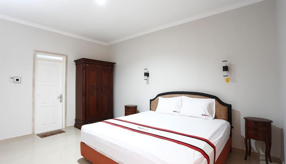 RedDoorz near Adisucipto Airport 2 Kembang Baru - RedDoorz Room Regular Plan