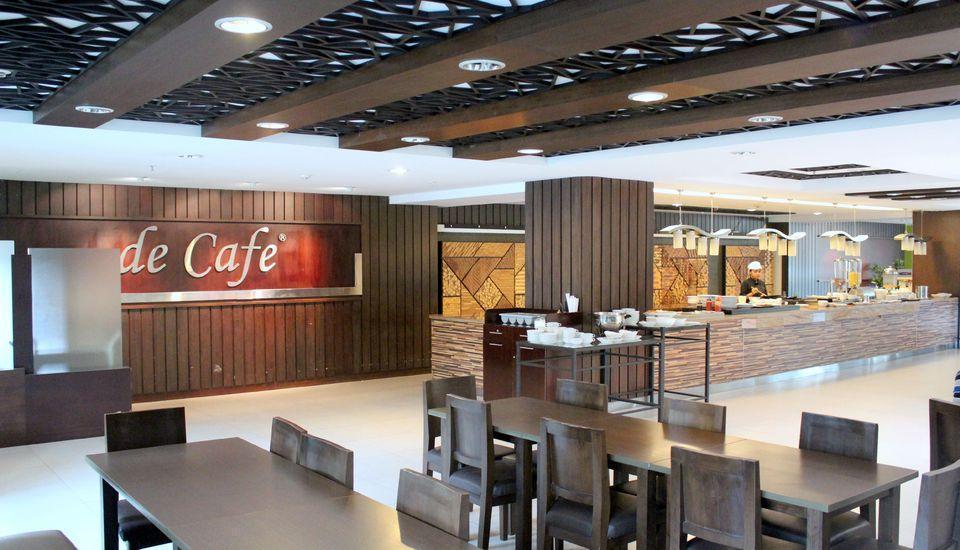 Prasada Mansion Jakarta - Restoran Decafe