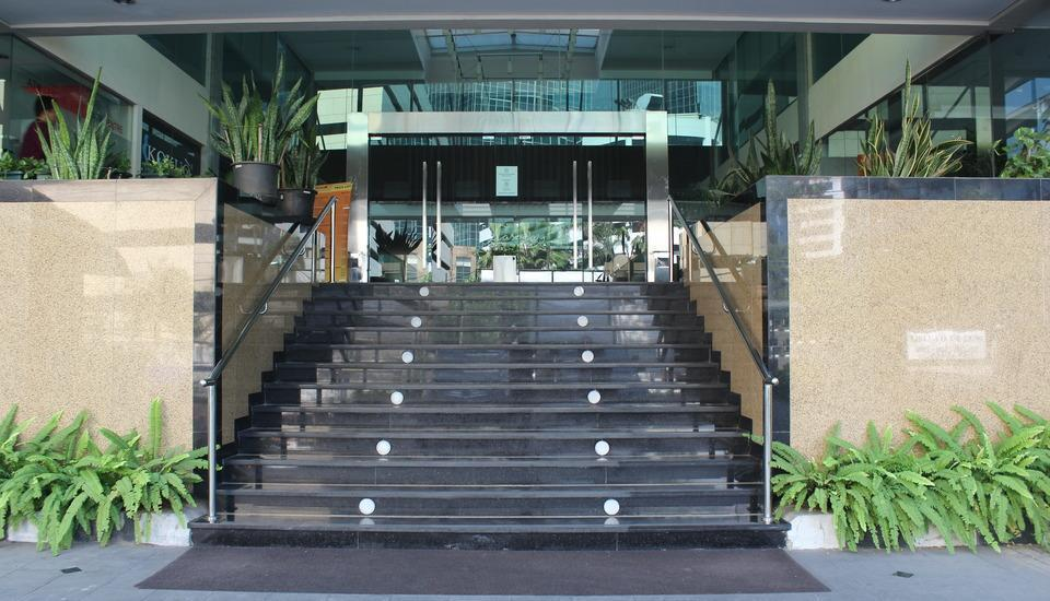 Prasada Mansion Jakarta - Pintu Masuk Hotel