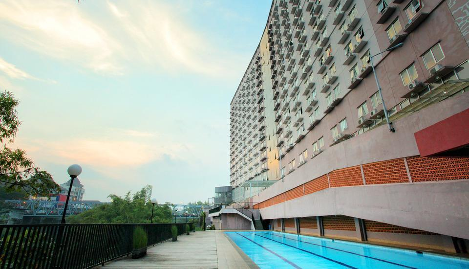 Everyday Smart Hotel Malang - Outdoor Swimming Pool