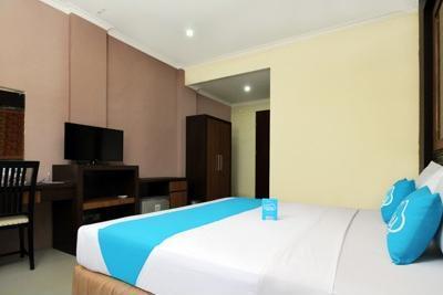Airy Alun Alun Bojonegoro Trunojoyo 2 - Superior Double Room Only Regular Plan