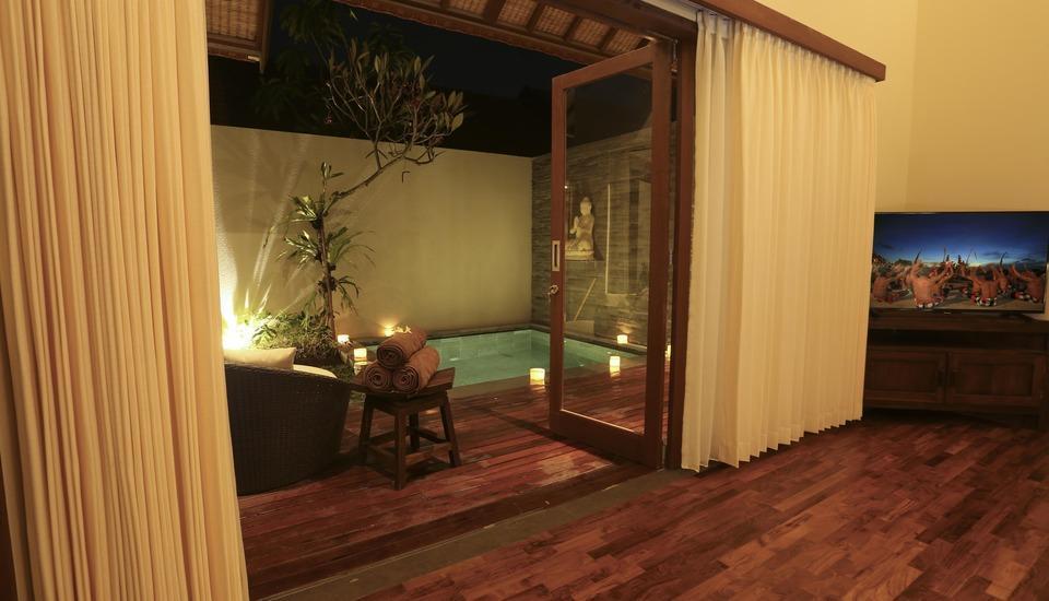 Desa Di Bali Villas Bali - Pemandangan Kolam Renang