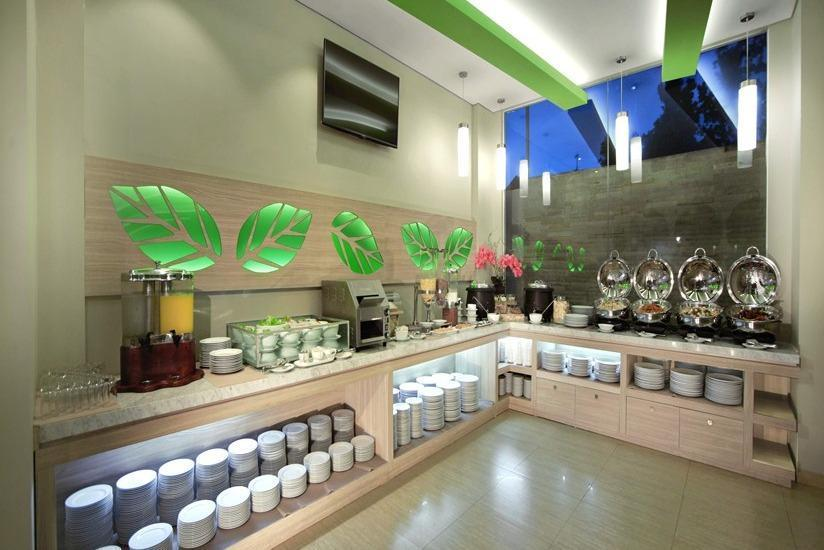 fave hotel Lombok - Meja prasmanan