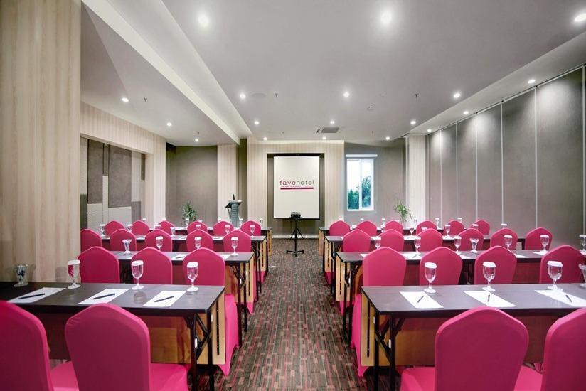 fave hotel Lombok - Ruang Rapat