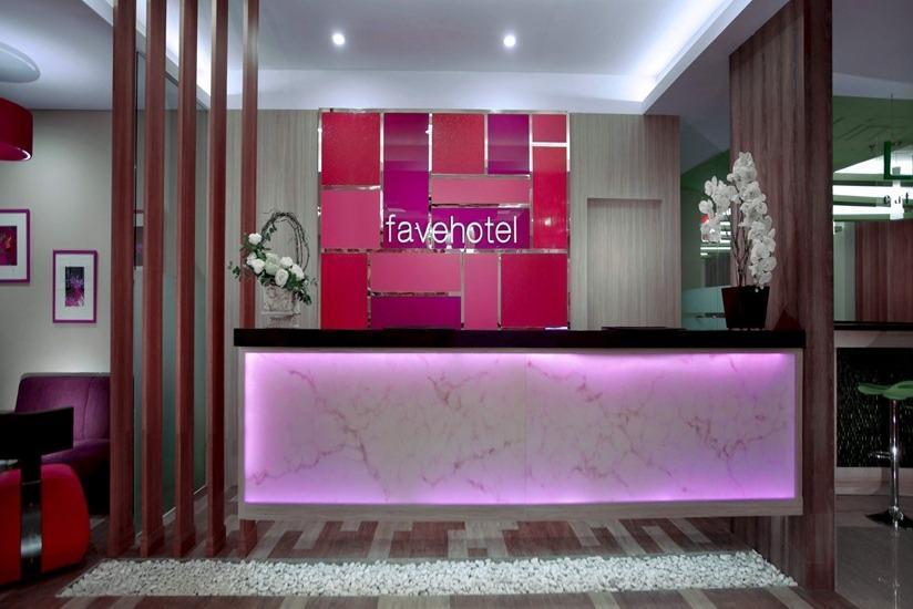 fave hotel Lombok - Resepsionis