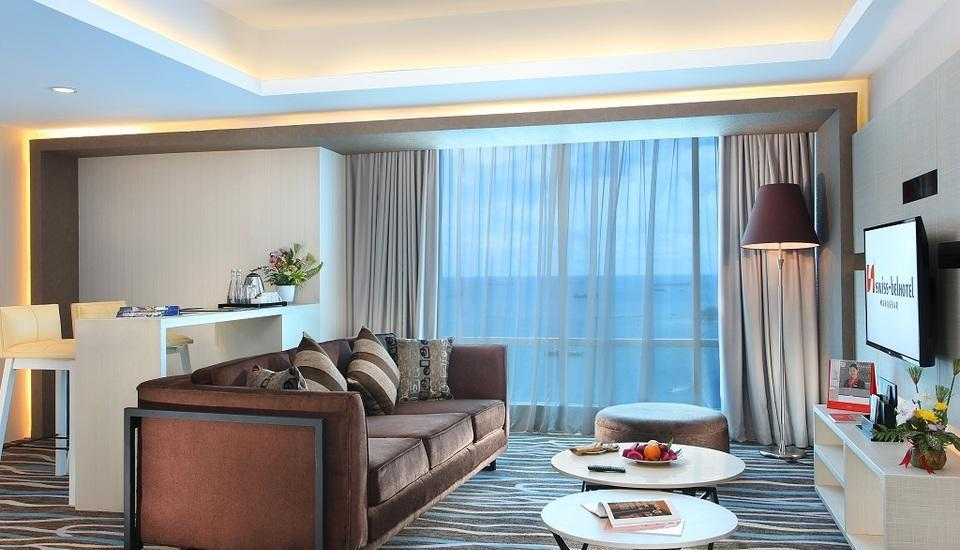 Swiss-Belhotel Makassar - Living Room Business Suite